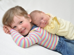 Victoria mit Schwester Letizia