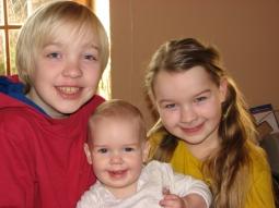 Helene Buß mit Geschwistern Christian & Elisabeth